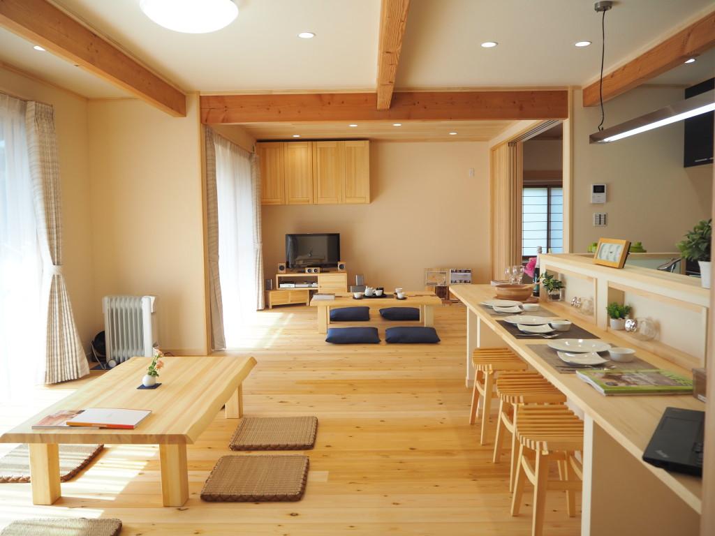 【After】一つに繋がった1階のLDKと和室。広々とした大空間が広がります。
