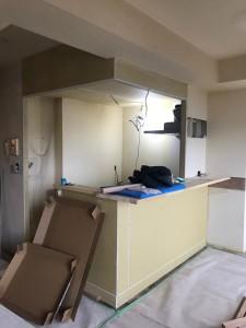 キッチンも開放感を出す為にサイドの壁を取り払いました。