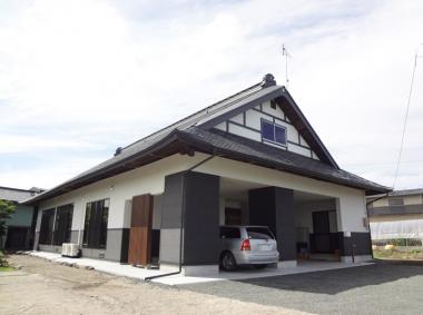 既存の屋根や柱材料が似合う、夏涼しくて冬暖かい古民家