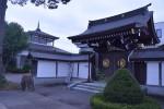 4本堂と山門